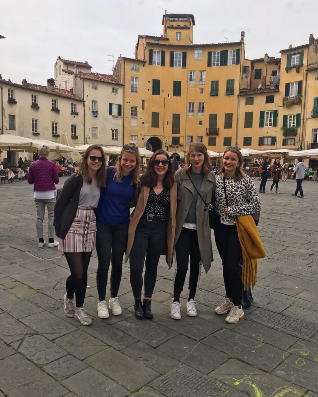 Road tripping through Tuscany: Twiharding in Volterra, thrifting in Arezzo, and more…