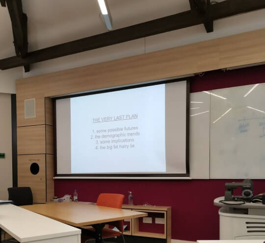 Lectures, seminars, advice and feedback hours: What do I need to know?
